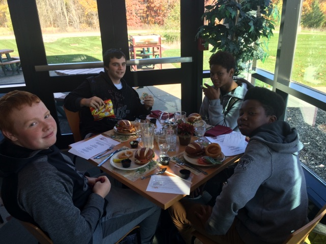 Students eating lunch at CVCC