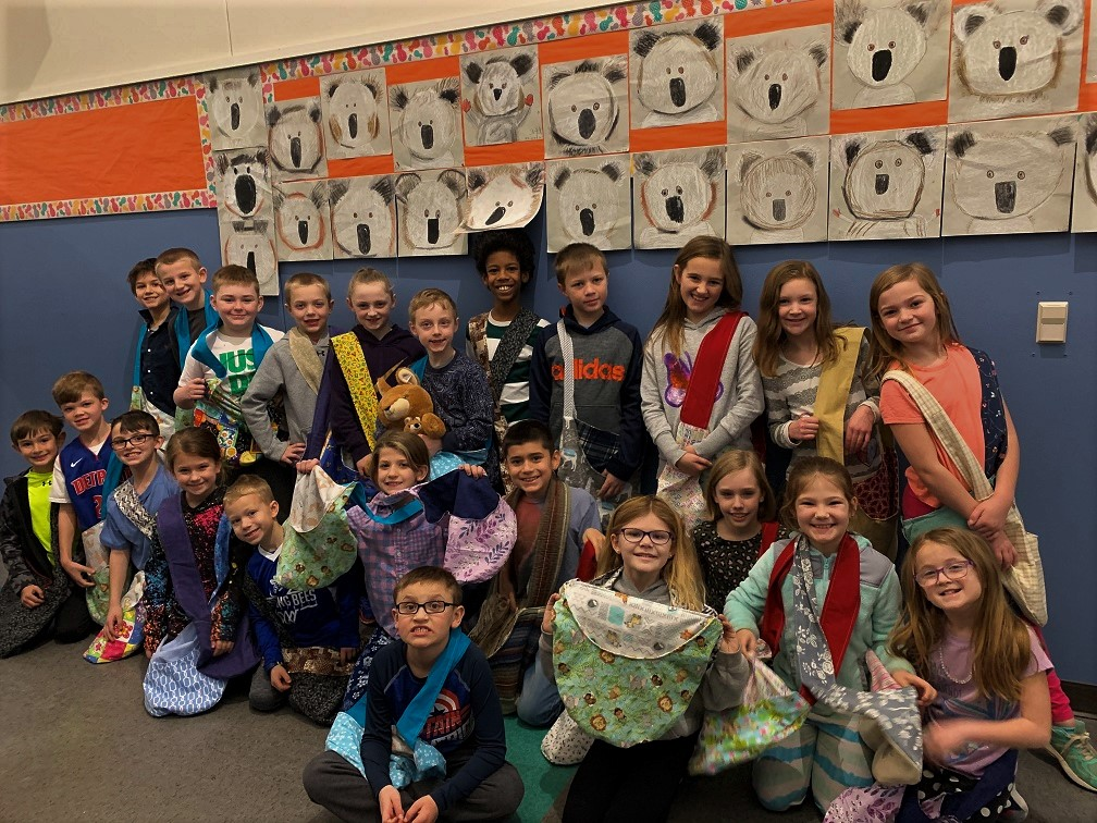 Ms. Hartlunds class with wallaby bags